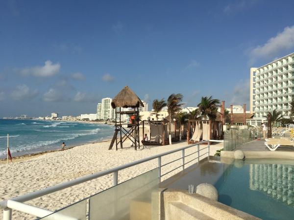 Praia em frente ao Resort Krystal Cancún