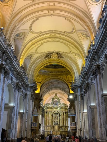 Parte interna da Catedral Metropolitana de Buenos Aires